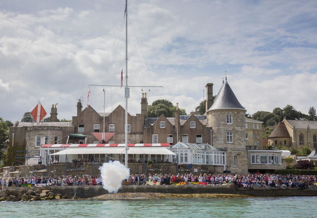 The fleet will start and finish off the Royal Yacht Squadron line in Cowes © Rolex/ Daniel Forster